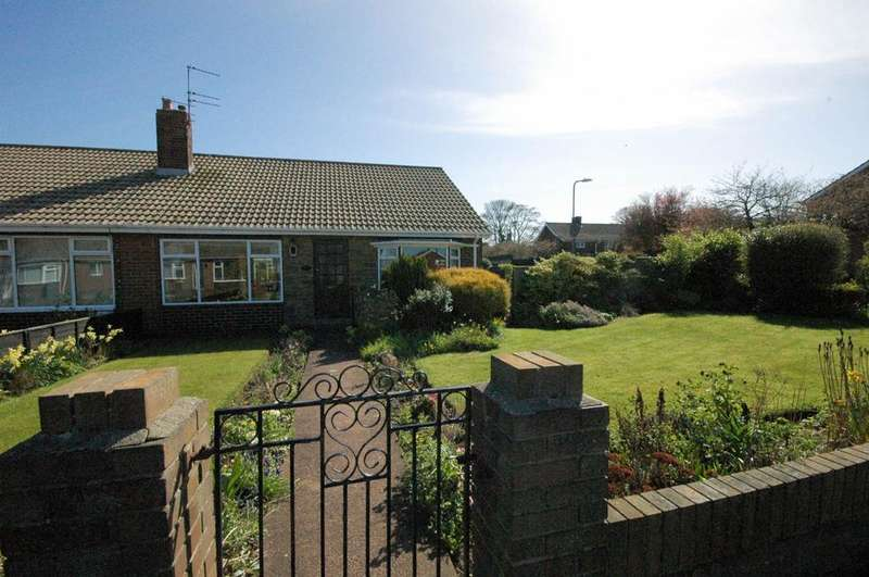 2 Bedrooms Semi Detached House for sale in Lyndon Grove, East Boldon