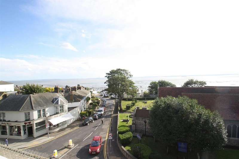 3 Bedrooms Flat for sale in Clements Place, Broadway, Leigh-On-Sea