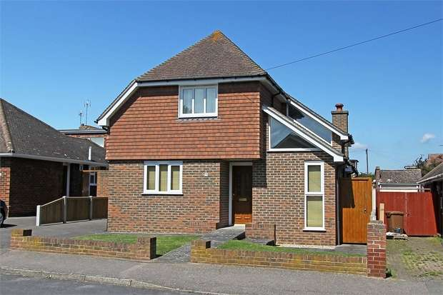 3 Bedrooms Detached House for sale in Roseleigh Road, SITTINGBOURNE, Kent
