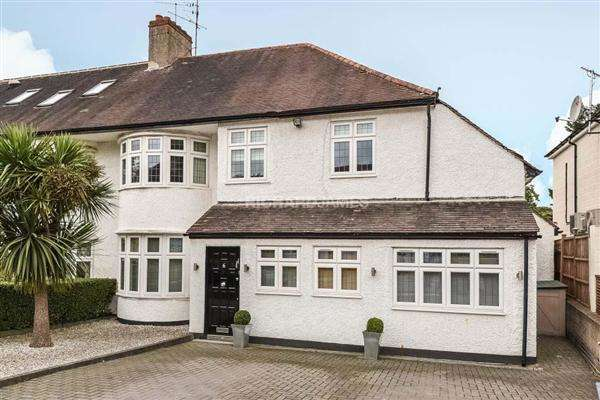 4 Bedrooms House for sale in Copthall Gardens, Mill Hill