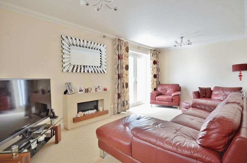 3 Bedrooms Property for sale in Whins Close High Harrington, Workington