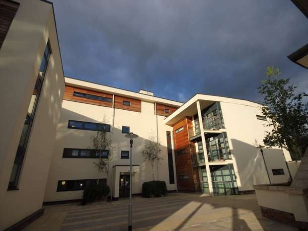 2 Bedrooms Flat for sale in Freemans Quay, DURHAM