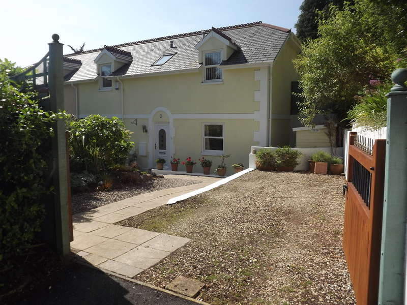 3 Bedrooms Semi Detached House for sale in Rawlyn Road, Chelston, Torquay