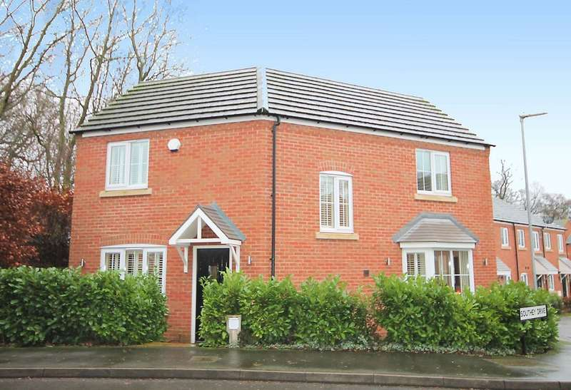 3 Bedrooms Detached House for sale in Southey Drive, Tamworth, B79 8BQ