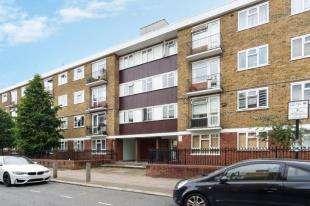 1 Bedroom Flat for sale in Morgan Court, Battersea High Street, London