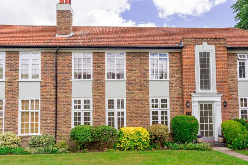 2 Bedrooms Flat for sale in Rythe Court, Portsmouth Road