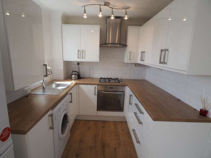 3 Bedrooms Apartment Flat for sale in Axholme Court, Victoria Dock, Hull, HU9 1PN