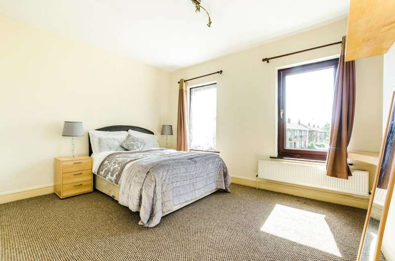 2 Bedrooms Terraced House for sale in Old Street, Upton, E13