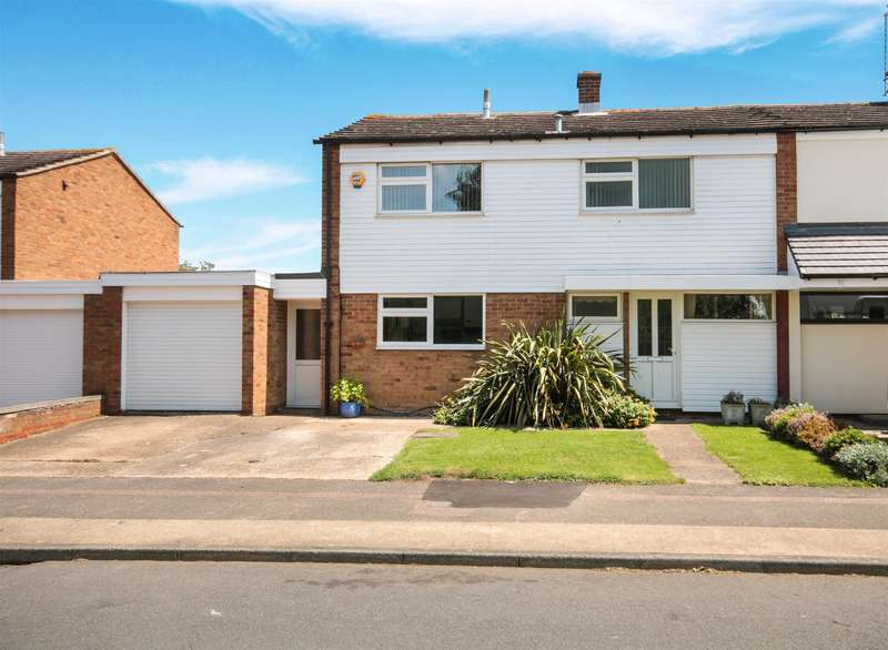 4 Bedrooms Semi Detached House for sale in Copse Hill, HARLOW, CM19