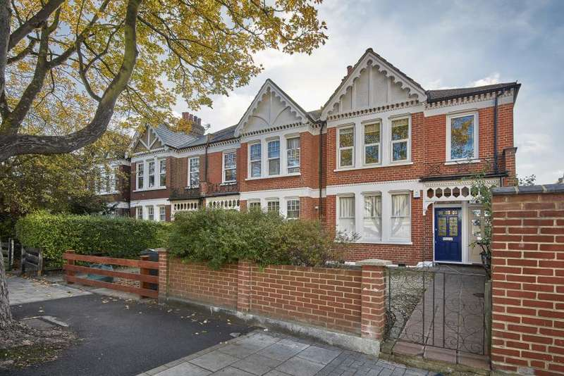 3 Bedrooms Apartment Flat for sale in Weir Road, Balham, SW12