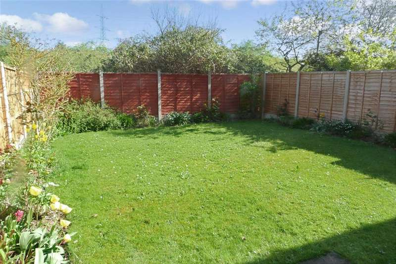 3 Bedrooms Semi Detached House for sale in Beauvoir Drive, Kemsley, Sittingbourne, Kent