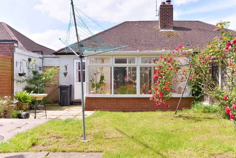 2 Bedrooms Bungalow for sale in Elmay Road, Birmingham, West Midlands, B26