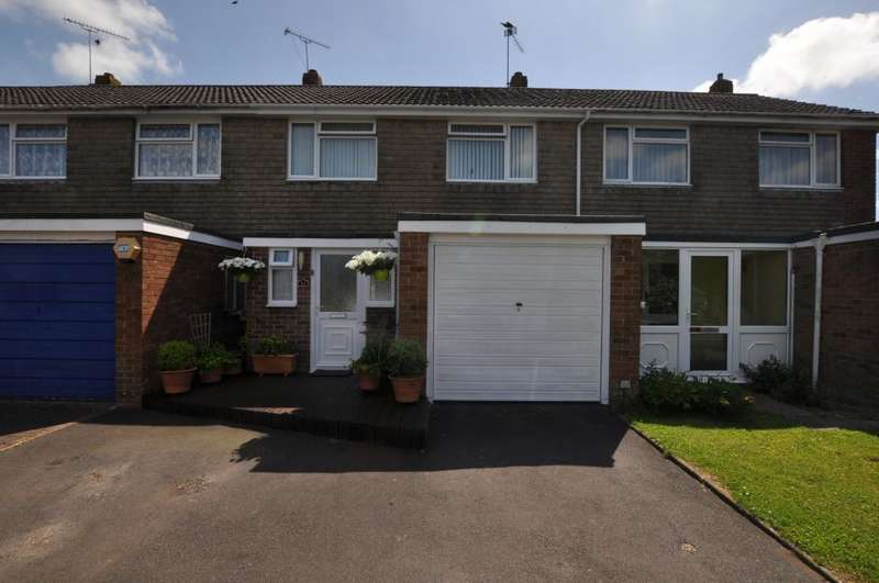 3 Bedrooms Terraced House for sale in Hightown Gardens, Ringwood, BH24 3EH