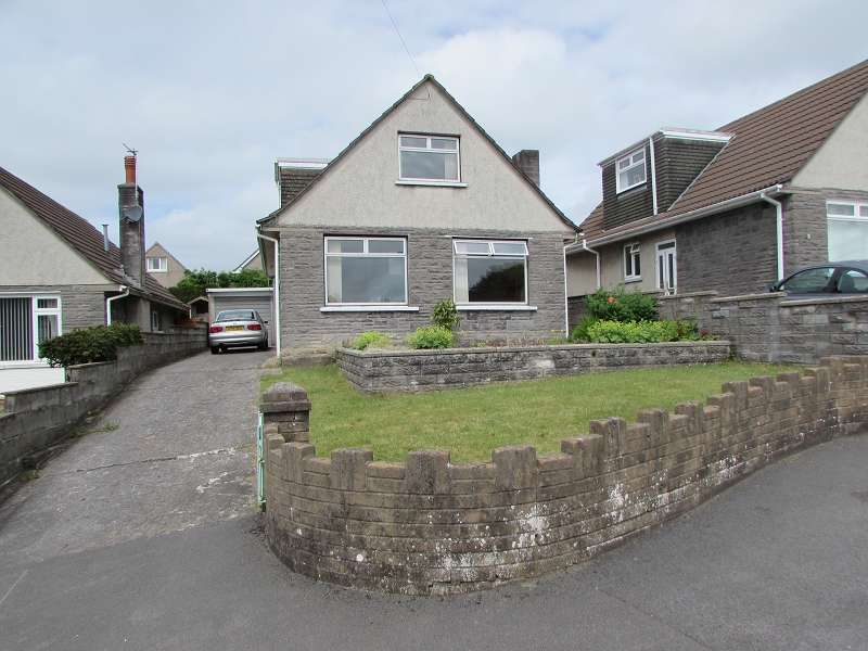 3 Bedrooms Detached House for sale in Blaen Y Fro , Pencoed, Bridgend. CF35 6RY