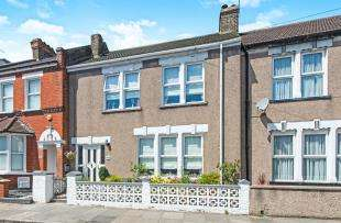 4 Bedrooms Terraced House for sale in Church Road, Swanscombe, Kent, Gravesend