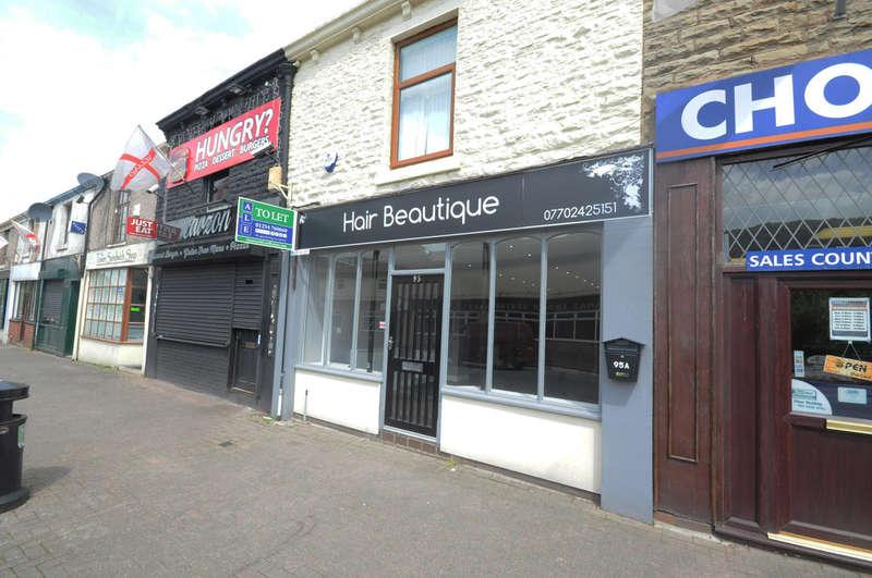 Commercial Property for rent in Duckworth Street, Darwen
