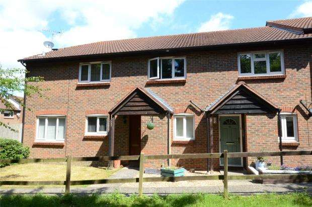 2 Bedrooms Terraced House for sale in Cordelia Croft, Warfield, Berkshire