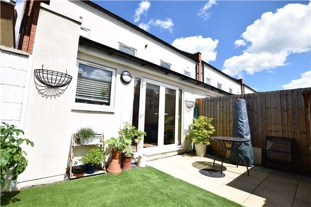 3 Bedrooms Semi Detached House for sale in Stoneville Street, CHELTENHAM, Gloucestershire, GL51 8PH