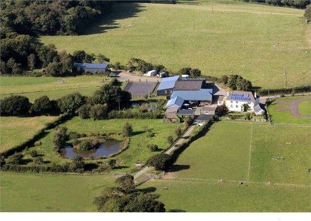 4 Bedrooms Farm House Character Property for sale in Lydacott, Barnstaple, Devon. EX31 3QG