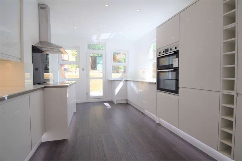 4 Bedrooms Terraced House for sale in Buller Road, THORNTON HEATH, Surrey