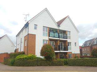 2 Bedrooms Flat for sale in Bluebell Drive, Sittingbourne, Kent