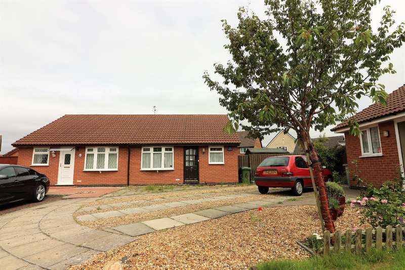 2 Bedrooms Bungalow for sale in Anstey Close, Wirral, CH46 6FA