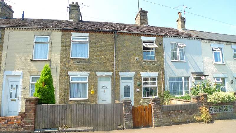 2 Bedrooms Property for sale in Lincoln road, Peterborough, Cambridgeshire. PE1 2NA