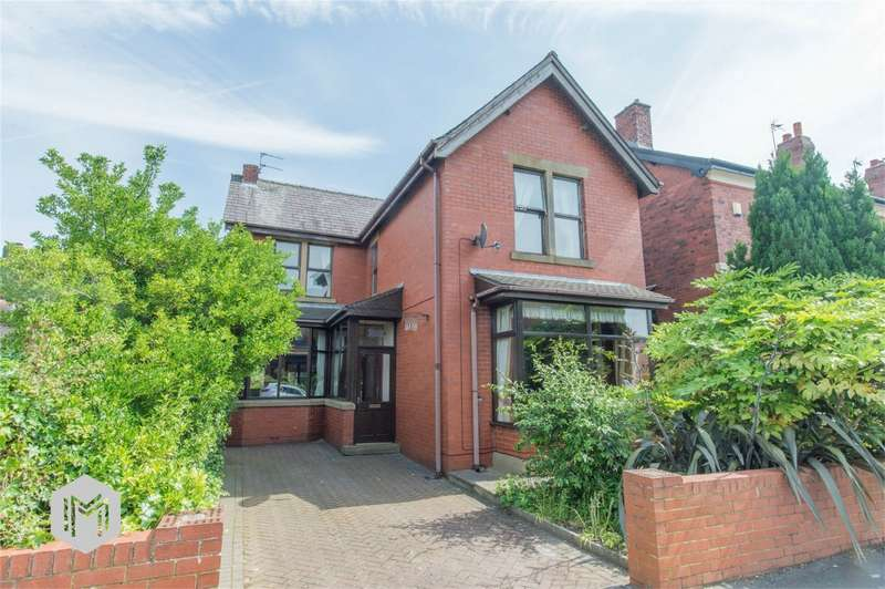 4 Bedrooms Detached House for sale in Carrington Road, Chorley, Lancashire