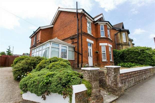6 Bedrooms Detached House for sale in Medina Avenue, Newport, Isle of Wight