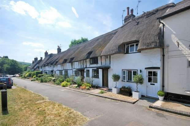 1 Bedroom Cottage House for sale in Tring Road, Wendover, Buckinghamshire
