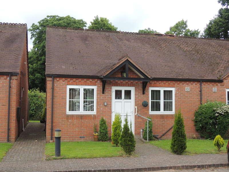 2 Bedrooms Terraced Bungalow for sale in Michael Blanning Gardens, Dorridge