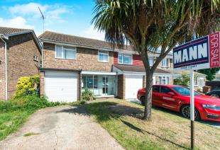 3 Bedrooms End Of Terrace House for sale in Battlesmere Road, Cliffe Woods, Rochester, Kent