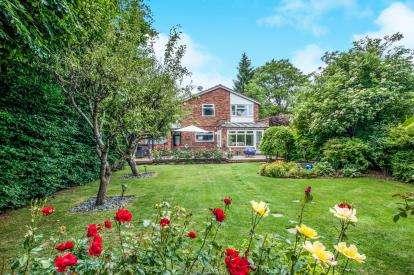 4 Bedrooms Detached House for sale in Greenacres, Hemel Hempstead, Hertfordshire, .