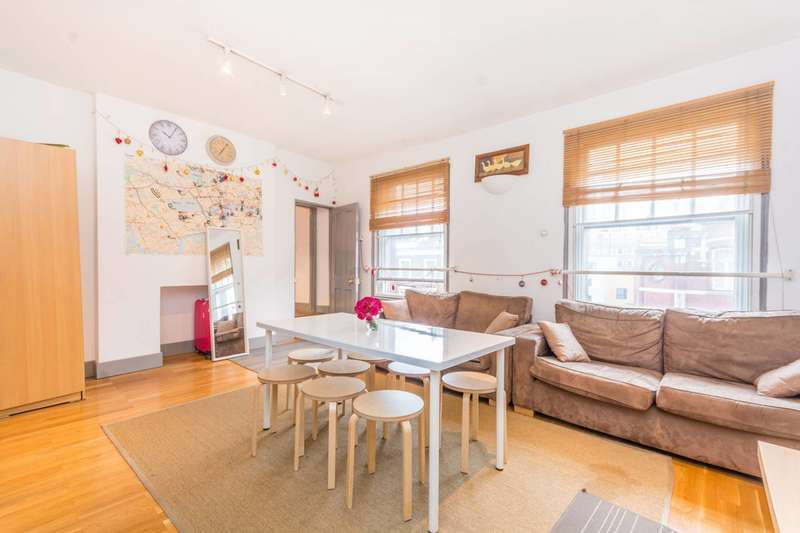 3 Bedrooms Maisonette Flat for sale in Caledonian Road, Islington, N1