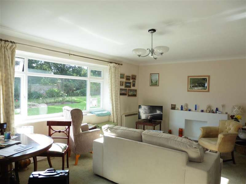 2 Bedrooms Ground Flat for sale in Dixwell Road, Folkestone, Kent