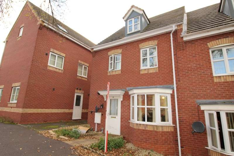 4 Bedrooms Semi Detached House for sale in Mundesley Road, Hamilton, Leicester, LE5