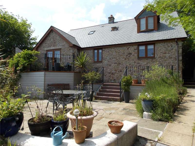 3 Bedrooms Detached House for sale in Higher Tremar, Cornwall