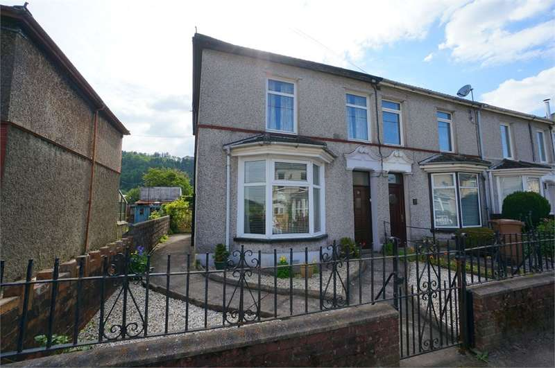 3 Bedrooms End Of Terrace House for sale in Cobden Street, Cross Keys, NEWPORT, NP11