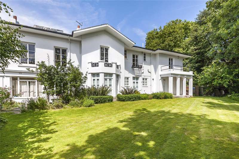 2 Bedrooms Flat for sale in Brooklands House, 20 Brooklands Park, London, SE3