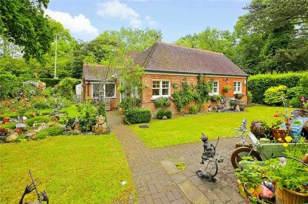 2 Bedrooms Detached House for sale in Penniwells Lodge, Barnet Lane, Elstree, Hertfordshire