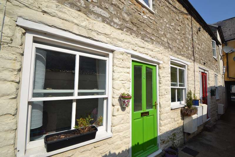 2 Bedrooms Terraced House for sale in Bridport