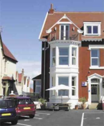 7 Bedrooms Flat for sale in Queens Promenade Bispham Blackpool