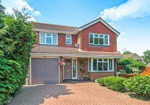 4 Bedrooms Detached House for sale in Millfield Drive, Northfleet, Gravesend, Kent