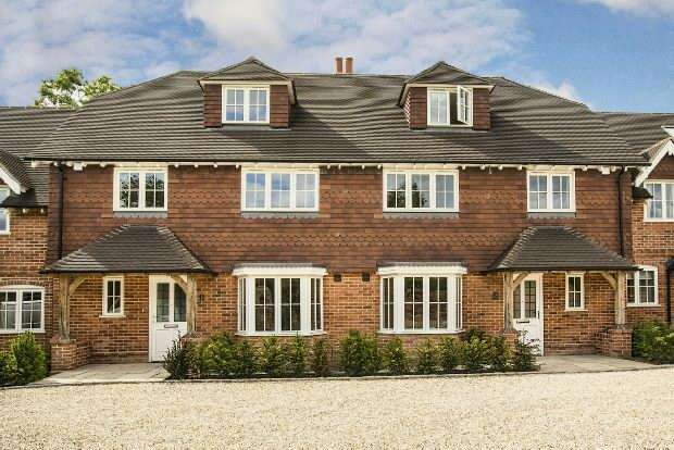 4 Bedrooms Mews House for sale in Old Orchard Mews, Mill Lane, Calcot, Reading,