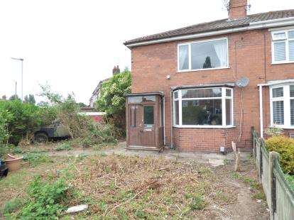 3 Bedrooms Semi Detached House for sale in First Avenue, Stafford