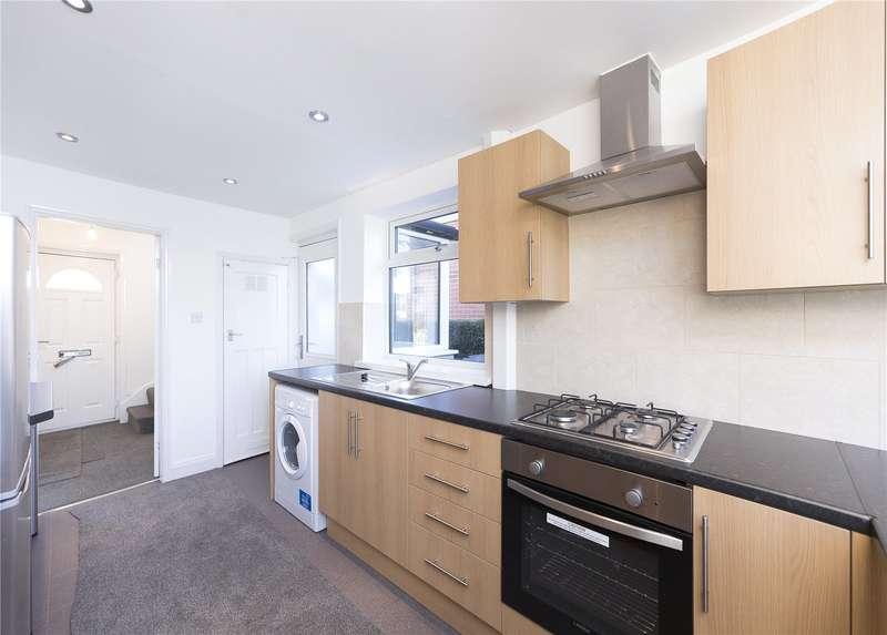 2 Bedrooms Semi Detached House for sale in Waterloo Crescent, Leeds, West Yorkshire, LS13