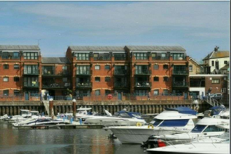 2 Bedrooms Flat for sale in The Moorings, Exmouth, Nr Exeter, Devon