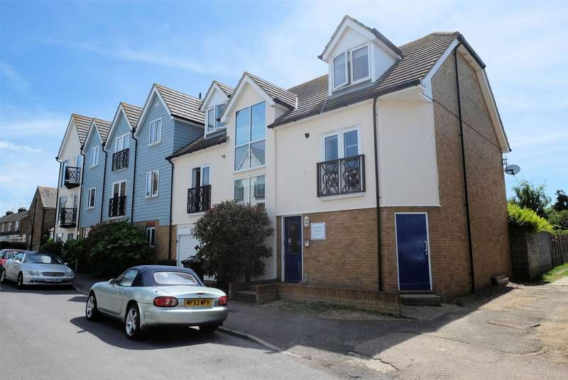 1 Bedroom Flat for sale in Diamond Road, WHITSTABLE, Kent