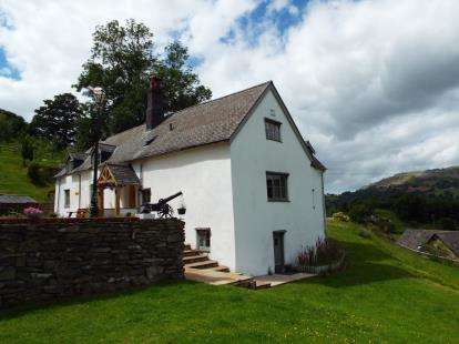 5 Bedrooms Detached House for sale in Holyhead Road, Llangollen, Denbighshire, LL20