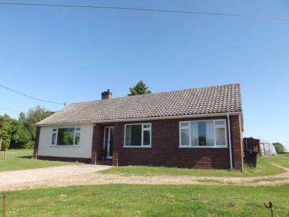 3 Bedrooms Bungalow for sale in Wreningham, Norwich, Norfolk